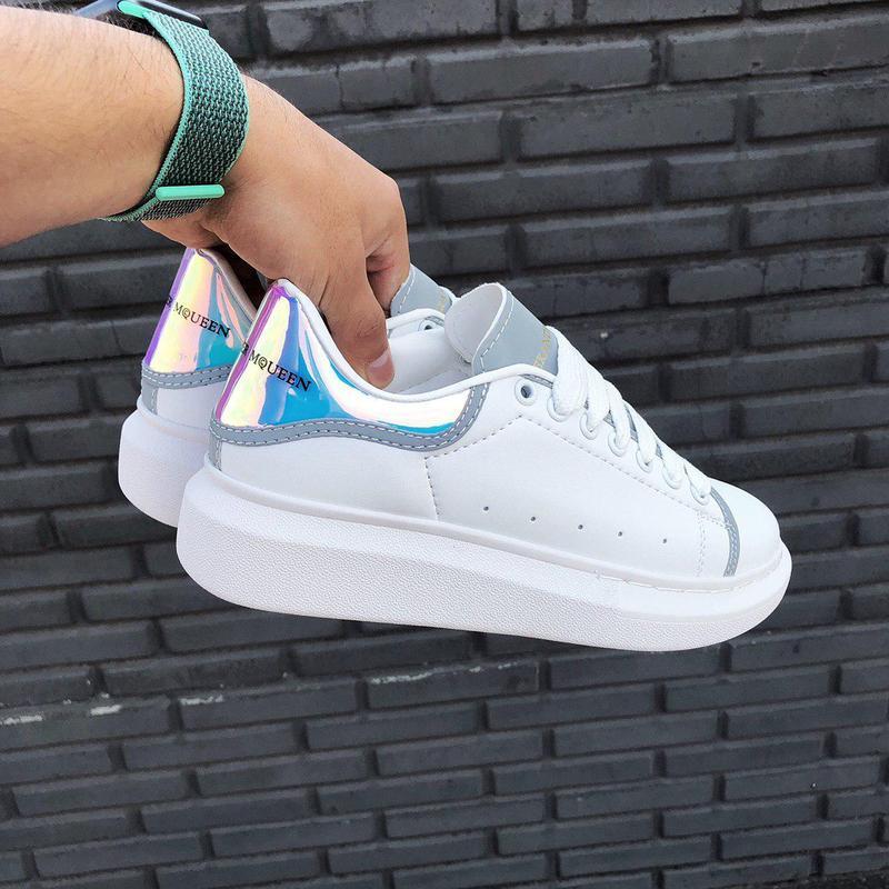 Крутые стильные и яркие кроссовки alexander mcqueen с рефлекти...