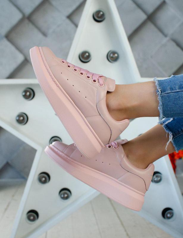 Стильные кожаные кроссовки alexander mcqueen в розовом цвете (...