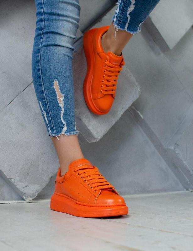 Кроссовки alexander mcqueen в оранжевом цвете (весна-лето-осень)😍