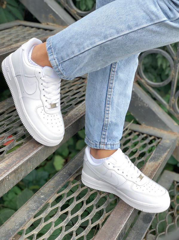 Шикарные кроссовки nike air force в полностью белом цвете (вес...