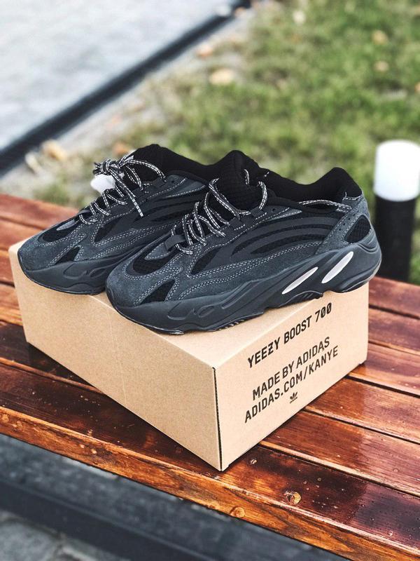 Стильные мужские кроссовки adidas yeezy 700 vanta с рефлективо...