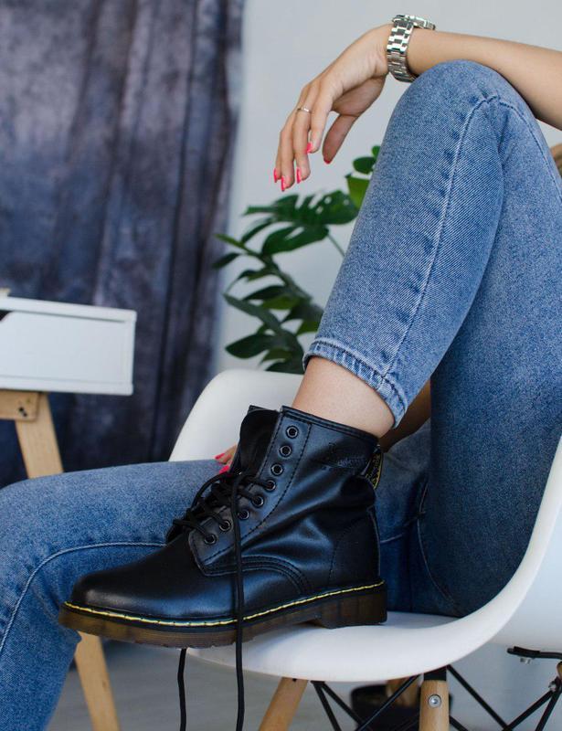 Шикарные демисезонные ботинки dr martens в черном цвете (осень...