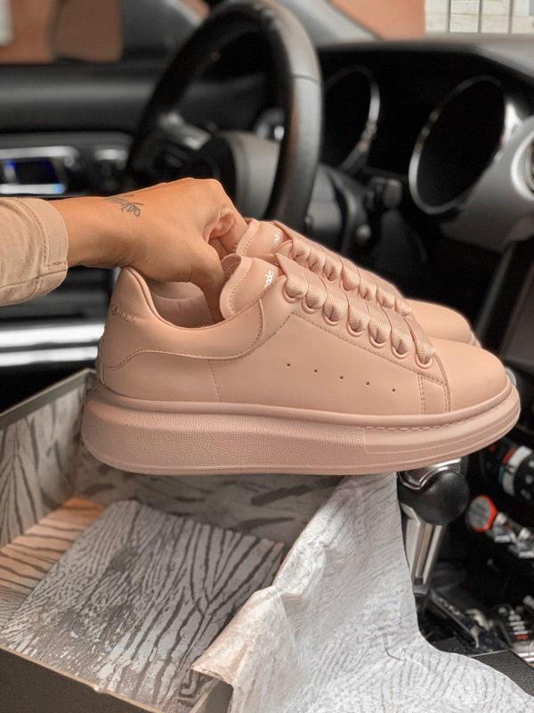 Нежно розовые кожаные кроссовки alexander mcqueen (весна-лето-...