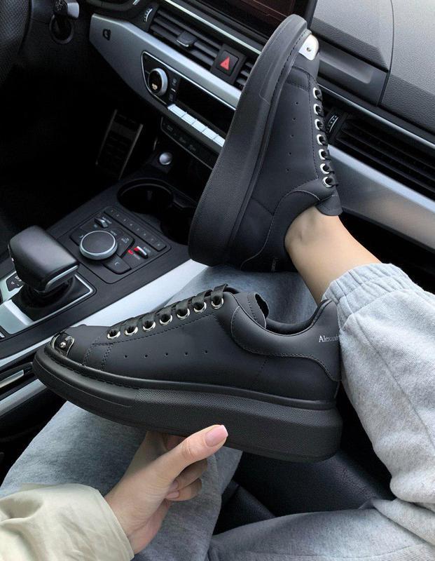 Стильные кожаные кроссовки mcqueen в черном цвете (весна-лето-...