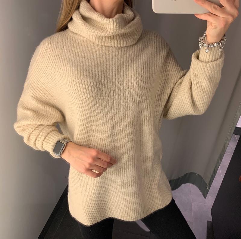 Тёплый бежевый свитер под горло свитерок amisu есть размеры