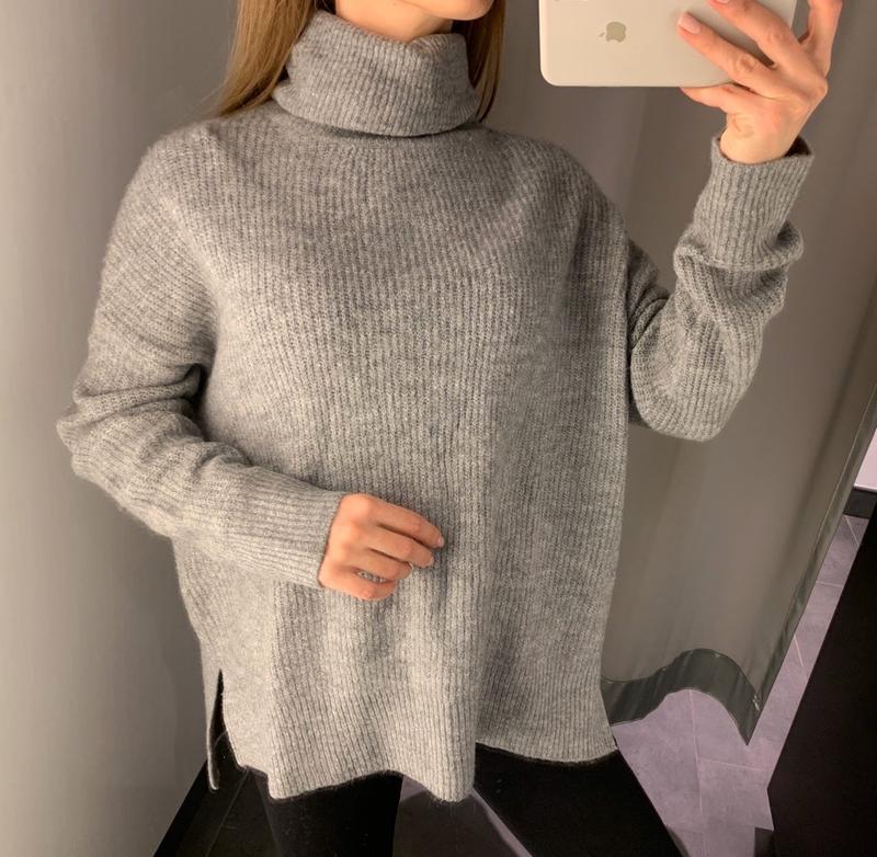 Тёплый серый свитер под горло amisu есть размеры