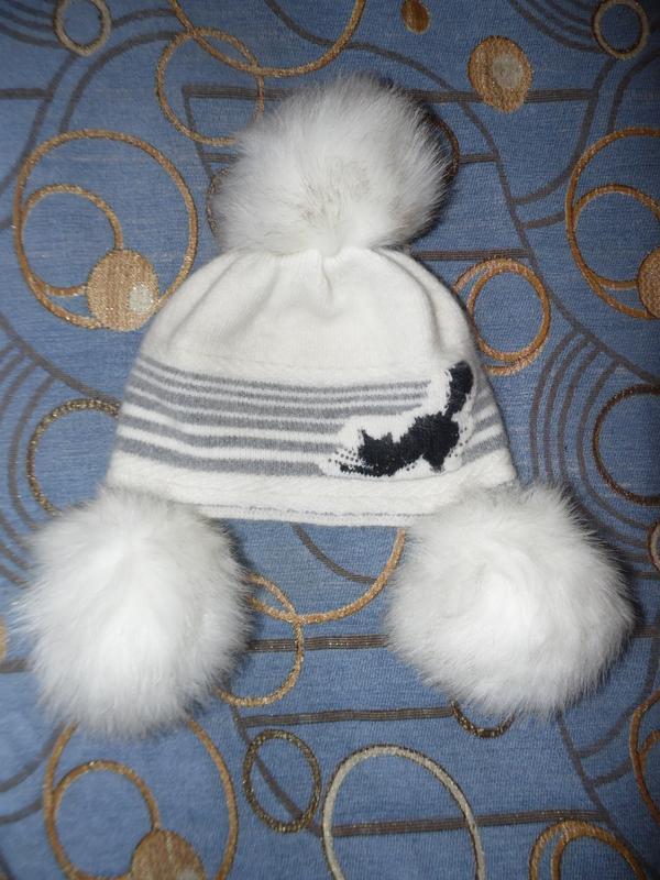 Ангоровая шапочка примерно на 6-8 лет
