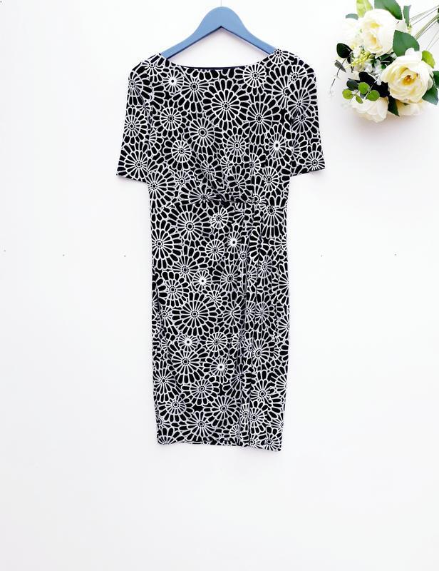 Красивое платье за колено с складами трикотажное платье миди