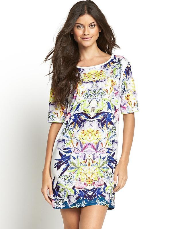 Новое текстурное платье с рисунком размера xs-s