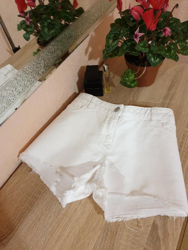 Белые джинсовые шорты next  original