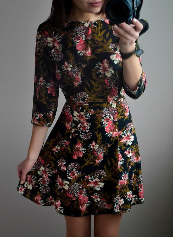 Шикарное платье в цветочный принт от miss selfridge