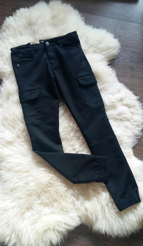 Штаны-джоггеры/джинсы-слим/брюки с карманами kiabi (франция) н...