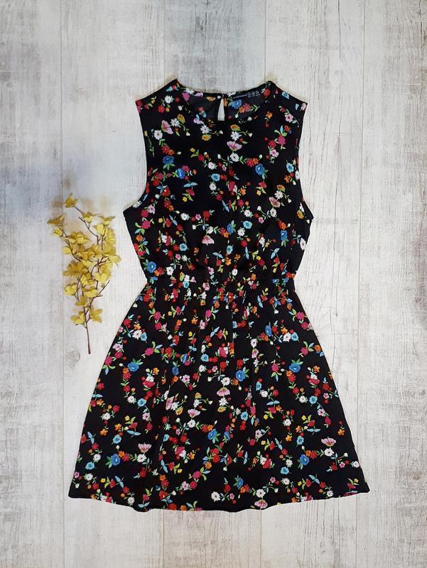Легкое платье в цветочный принт