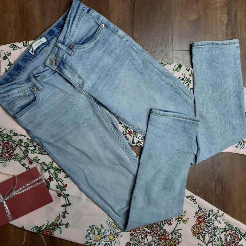 Скини джинсы levis