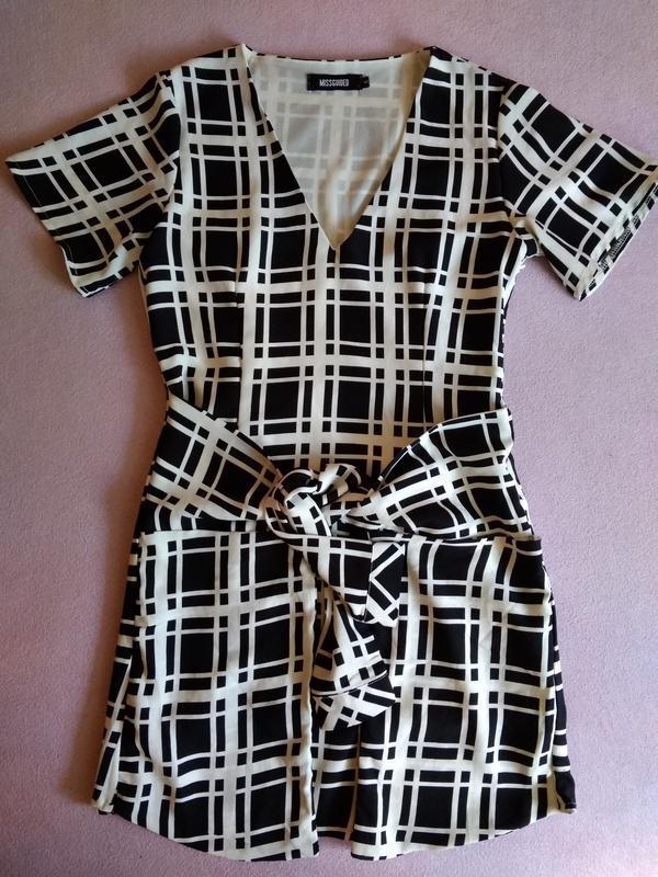 Стильное клетчатое летнее платье