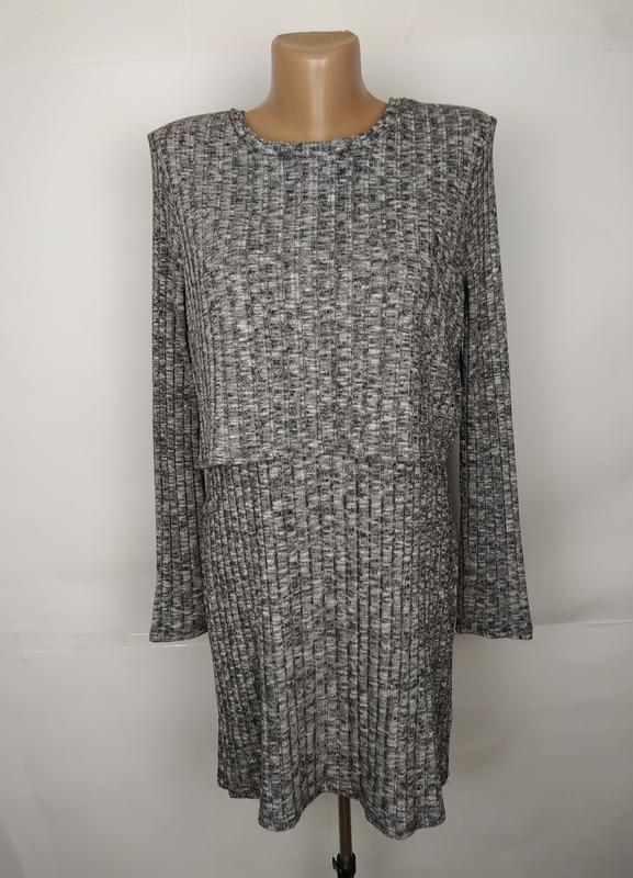 Платье красивое модное в рубчик цвета серый меланж river islan...