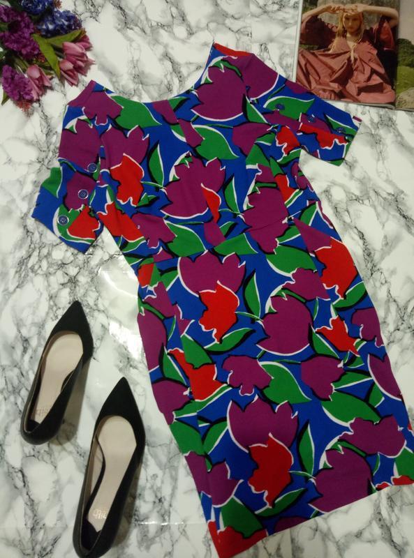 Прямое платье с карманами