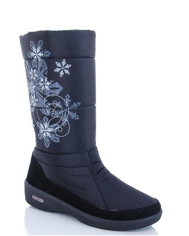 Женские зимние черные высокие сапоги дутики со снежинками украина