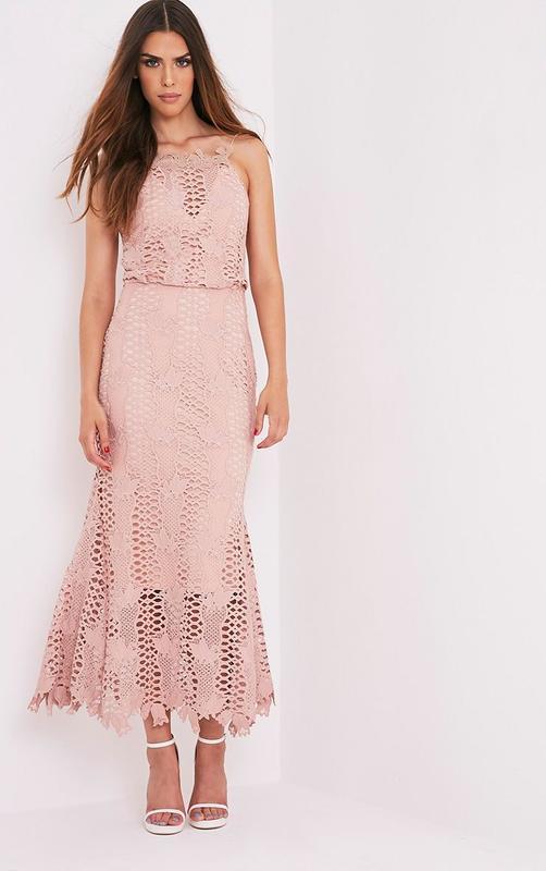 Новое нюдовое платье рыбка в пол prettylittlething premium кру...