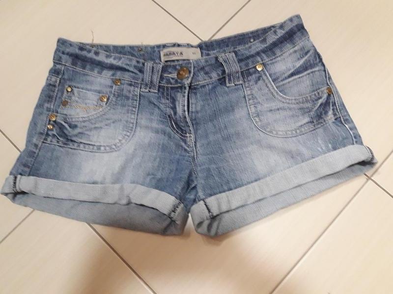 Шорты джинсовые р.29 30 грн.