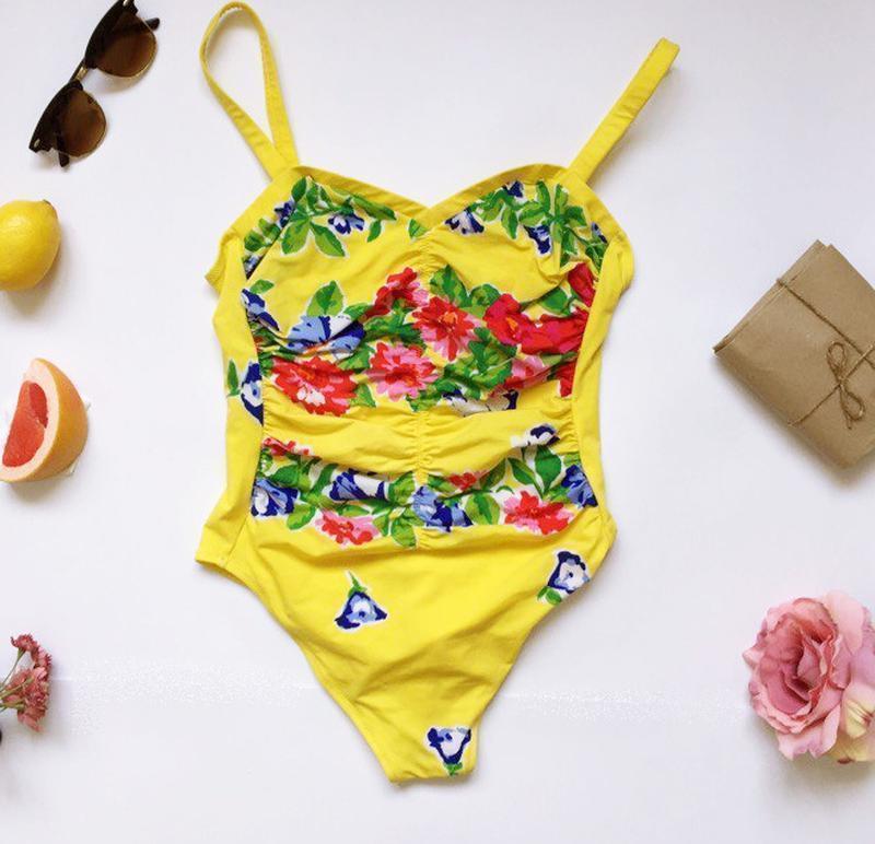 Цілісний жовтий купальник, сдельный купальник, желтый купальник.