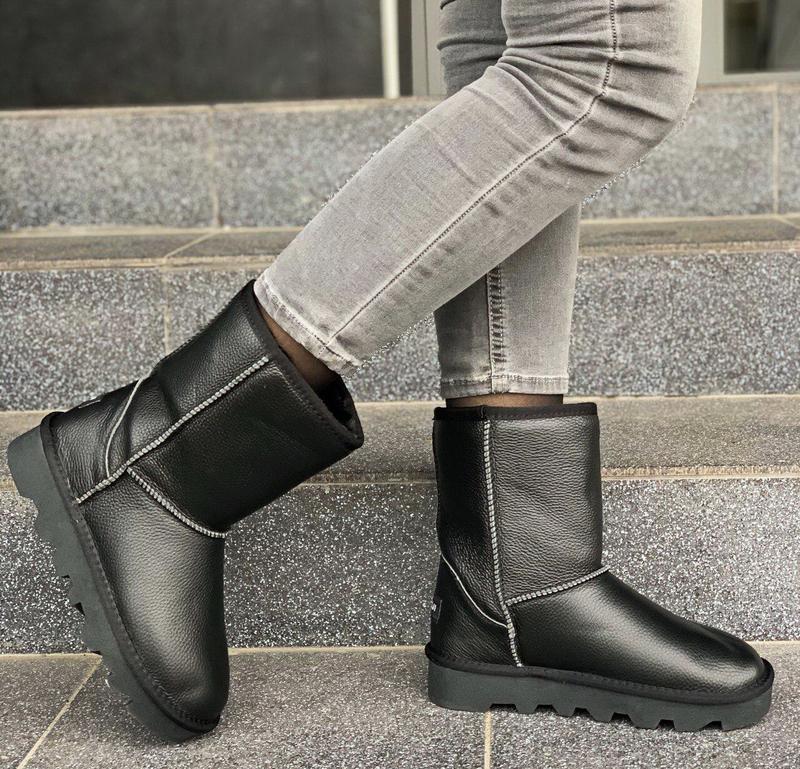 Новые женские кожаные черные зимние сапоги угги