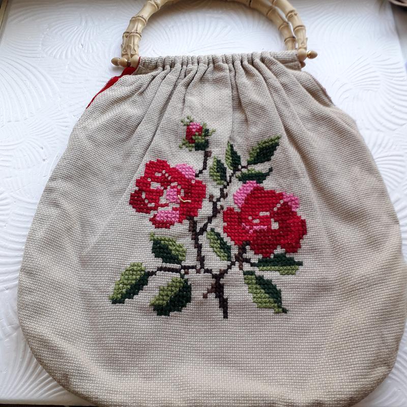 Винтажная женская сумка с вышивкой ручная работа