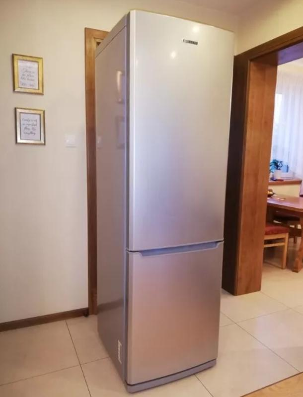 Большой холодильник SAMSUNG No Frost