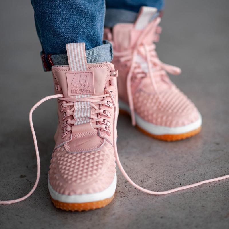 Зимние кроссовки nike lunar pink