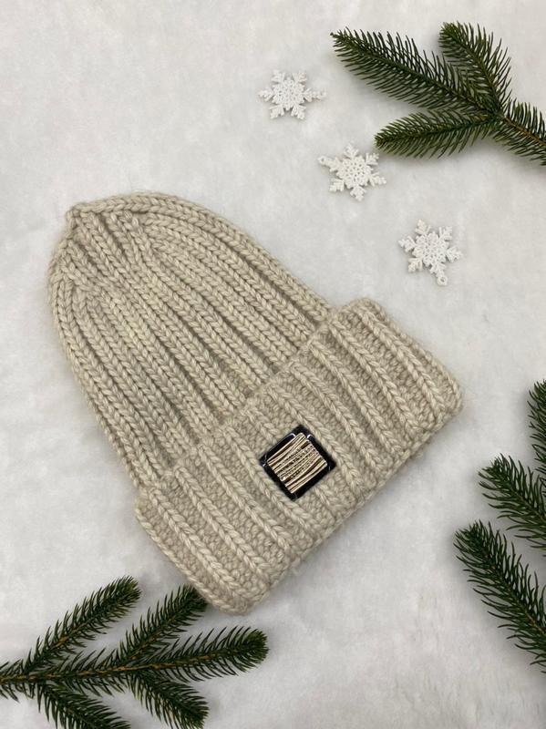 Вязаная тёплая шапка
