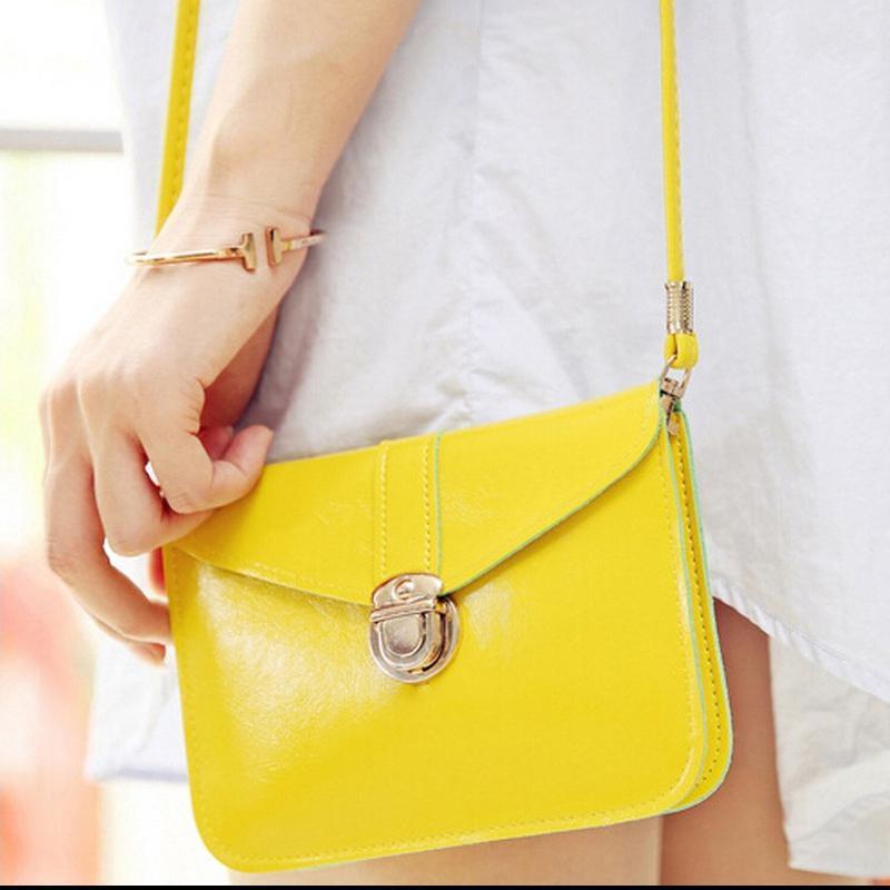 Стильная яркая летняя сумка