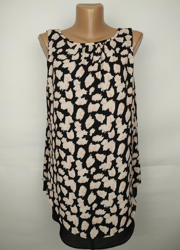 Блуза новая двухслойная стильная с v-образным вырезом на спинк...
