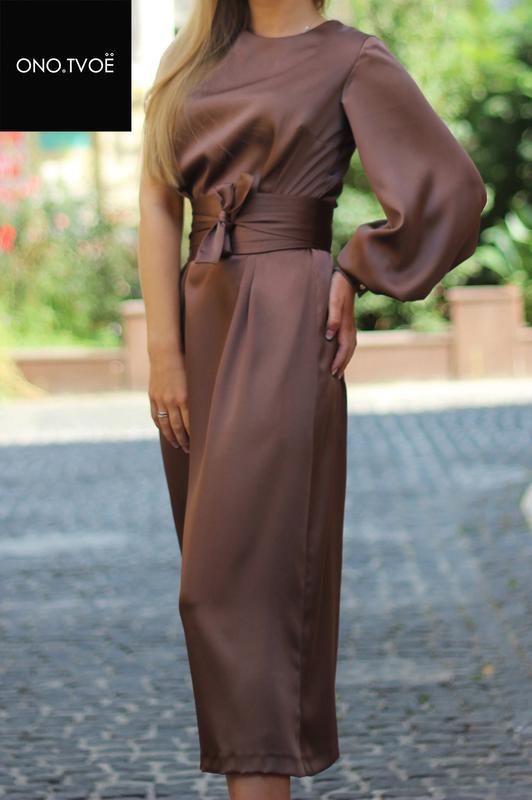 Шелковое платье в продаже