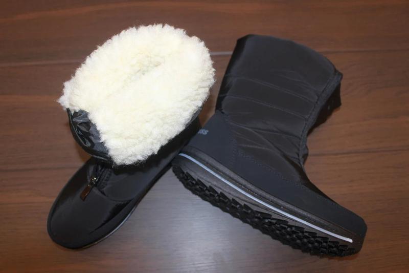 Женские зимние черные сапоги дутики со стразами снежинкой украина - Фото 4