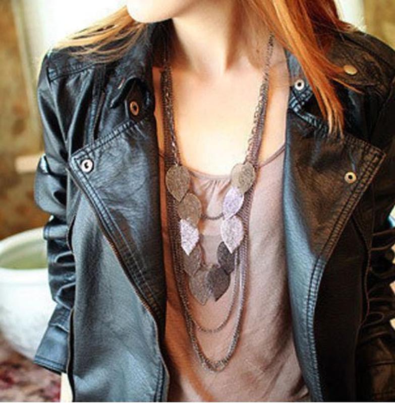 Ожерелье колье серебристого цвета листочки