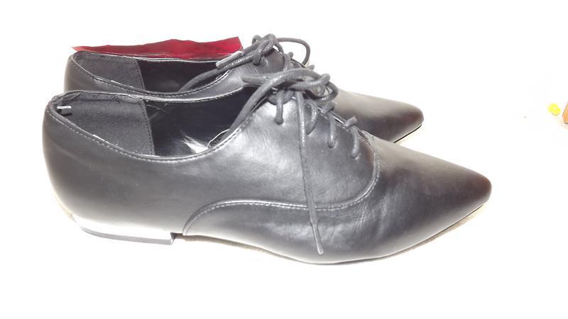 Закрытые туфли на шнурках kiabi