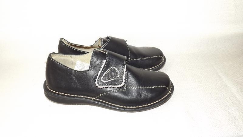 Туфли кожаные на липучке 36 размер