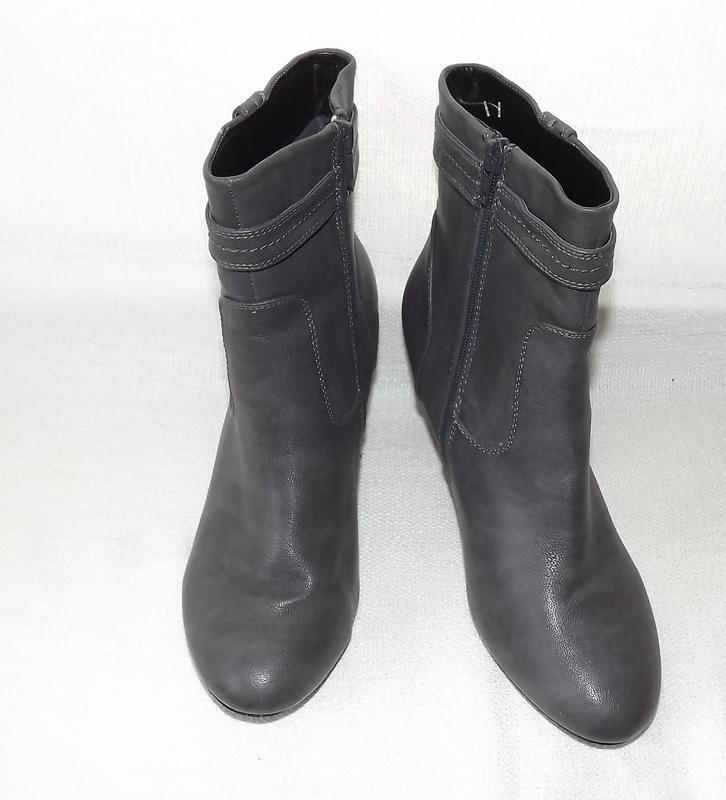 Ботинки, полусапоги женские серые на не большом каблуке 39 размер - Фото 2