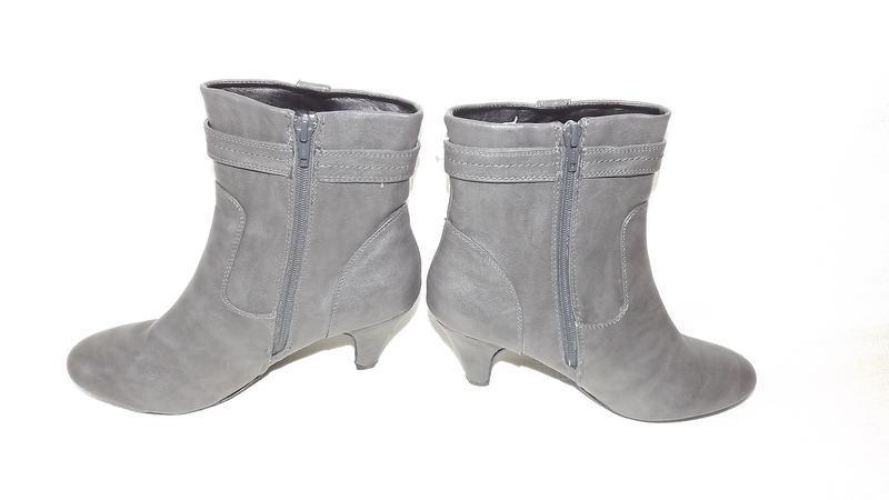 Ботинки, полусапоги женские серые на не большом каблуке 39 размер - Фото 3