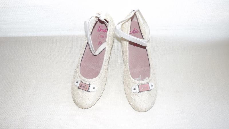 Туфли нарядные кожаная стелька  35р.