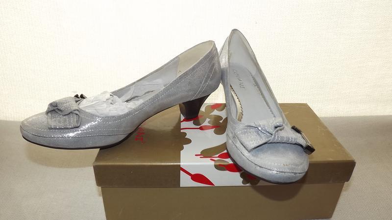 Туфли covani кожаные серебряные 35, 36 размер