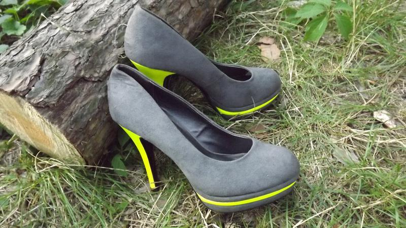 Туфли на высоком каблуке catwalk 38 размер