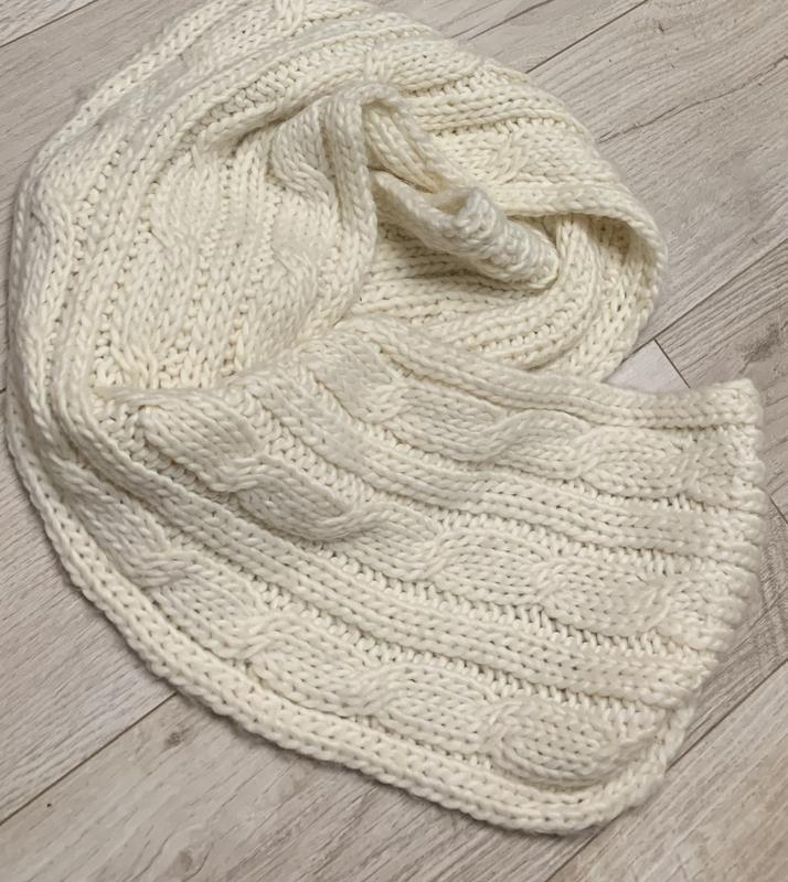 Вязаный белый тёплый  молочно - белый шарф
