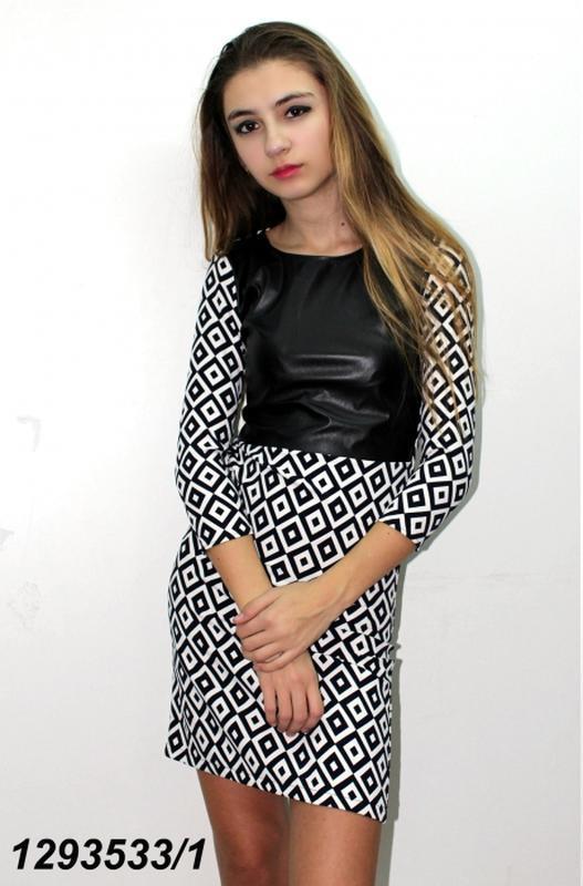 Красивое платье экокожа