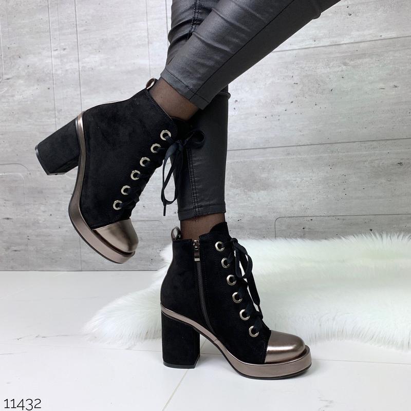 Стильные замшевые ботильоны на шнуровке,деми ботинки на каблуке