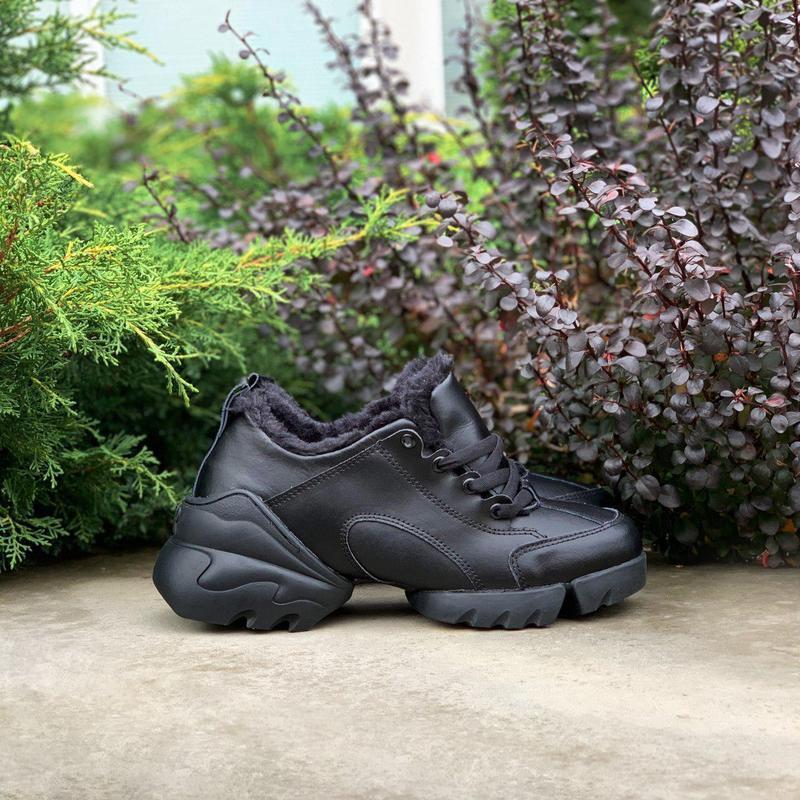 Шикарные женские хайповые зимние кроссовки на меху черного цве...