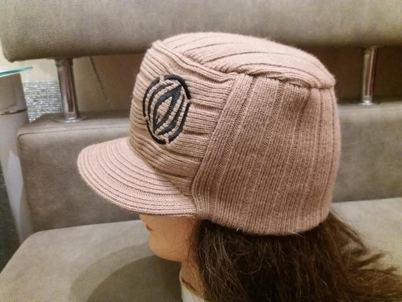 Теплая кепка