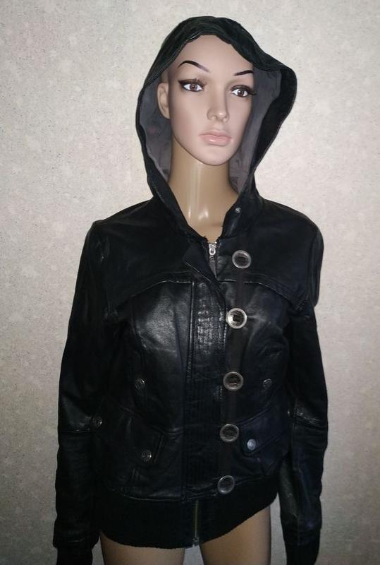 Кожаная куртка, бомбер, с капюшоном