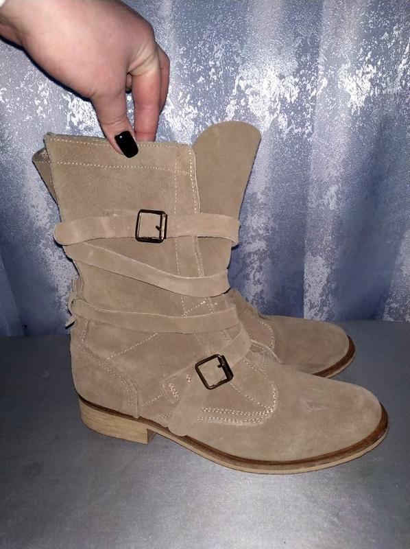 Замшевые ботинки, дезерты, ботильены