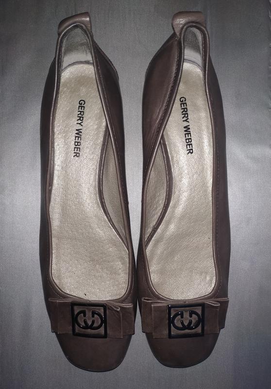 Кожаные туфли, балетки